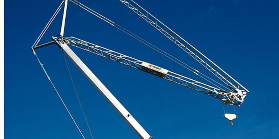 Noleggio di gru automontante per cantieri edili gruppoemac for Noleggio di grandi cabine ca