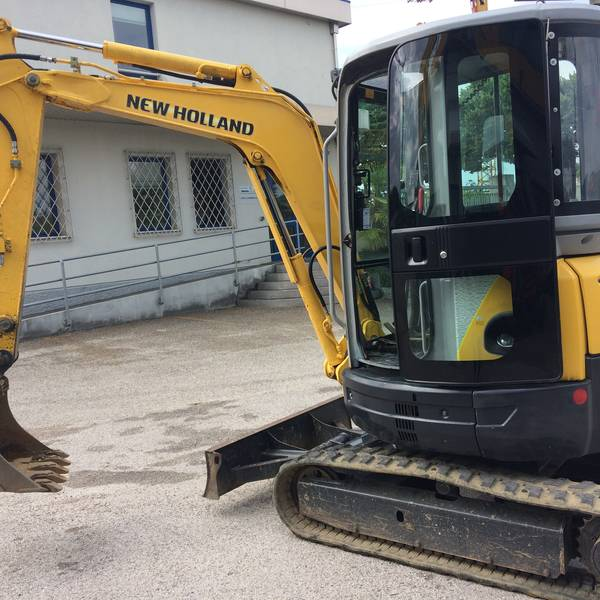 New Holland E30.2 SR
